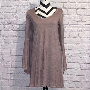 American Eagle Outfitters Dresses - American Eagle Cold Shoulder Bell Sleeve Dress